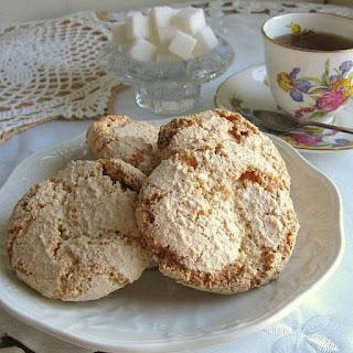 Polish Almond Cookies (Amaretti) Recipe