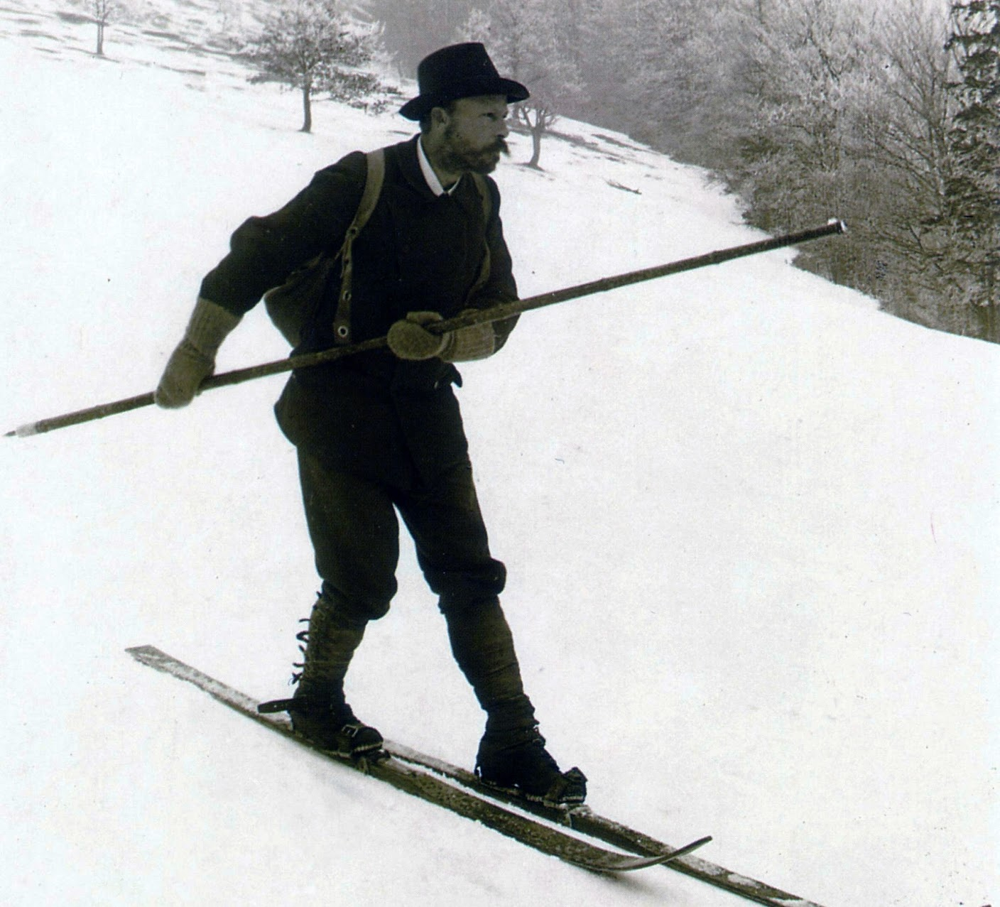 The Moravian Mathias Zdarsky demonstrating his new skiing technique (c. 1905), with unknown metrical consequences.