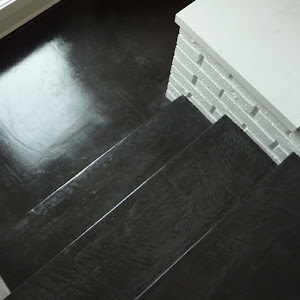 rénover soi-même son escalier enbéton ciré avec kit complet béton ciré pour réaliser soi-même son béton ciré pour recouvrir son escalier