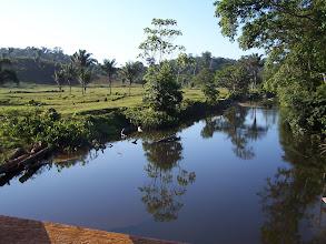 Photo: Rio límpido e muito bem conservado, na área indigna.