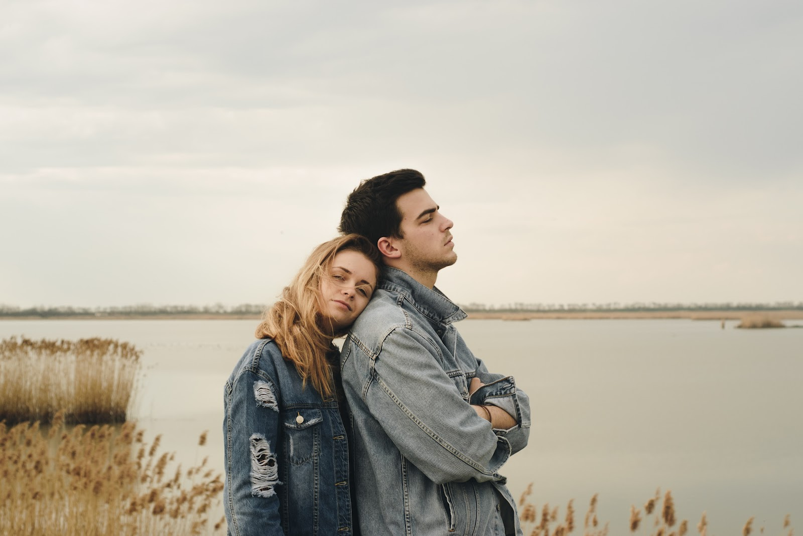 Why am I desperate for a girlfriend? (8 Reasons)