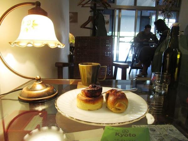 獨享綠樹輕搖的咖啡麵包屋~磨子Mill