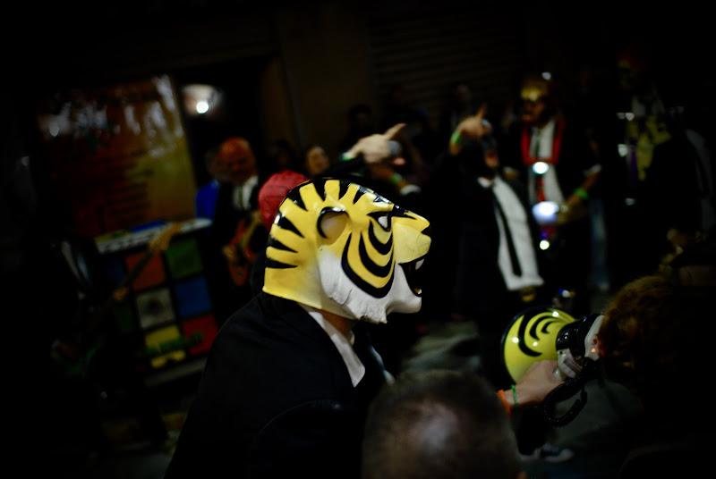 il cantante dalla testa di tigre di Gabor