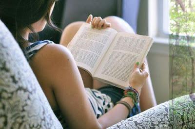 Baca Buku Berbahasa Asing