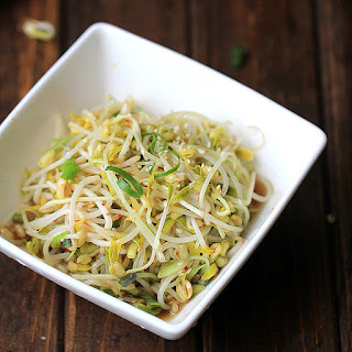 Mung Bean Sprouts (How to Sprout and Salad ).
