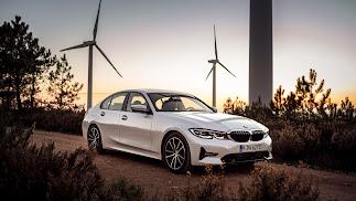 El motor eléctrico del nuevo BMW 330e Berlina está integrado en la caja de cambios  Steptronic de 8 velocidades para ahorrar espacio.