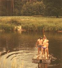 Photo: Mit dem Floß über die Ems (1979)