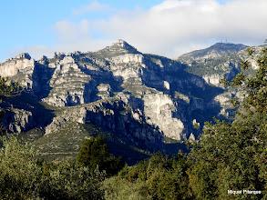 Photo: La Roca del Migdia, la Mola Castellona i el Barranc de la Caramella als peus del Mont Caro