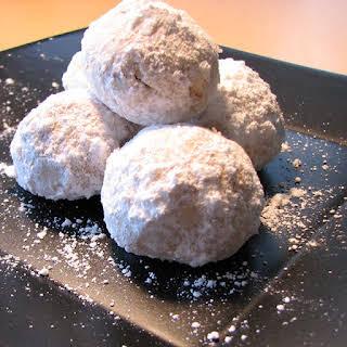 Thelma's Tea Cookies (Mexican Wedding Cake).