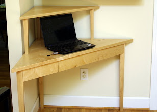 Photo: The opened computer will fit under the shelf.