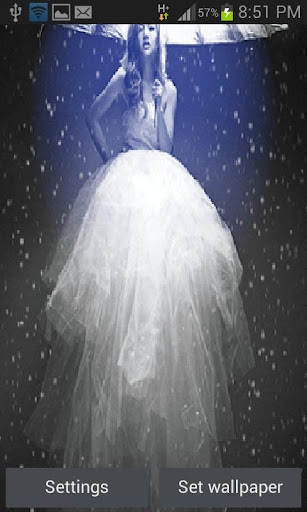 White Gowns Live Wallpaper