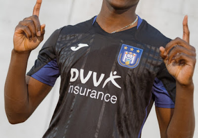 🎥 📷 Anderlecht stelt derde uitrusting voor