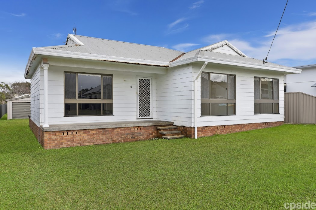 Main photo of property at 8 Perouse Avenue, San Remo 2262