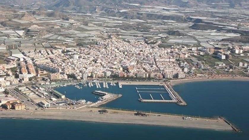 El Puerto de Adra recibe una fuerte inversión.