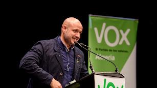 Rodrigo Alonso, parlamentario andaluz de Vox por Almería, en un mitin.