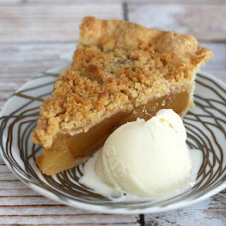 Homemade Apple Crumb Pie