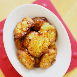 EASY BANANA FRITTERS (10-12 small fritters).