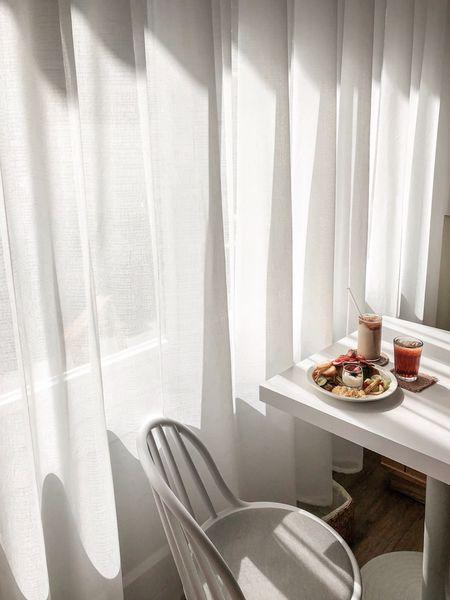 有一隻羊A Sheep Cafe隱匿在雪白溫柔下的日影與斑斕,浸在陽光裡的甜點與韓系早午餐咖啡館。