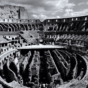 Colosseum by KOUSTUV LAHIRI - Buildings & Architecture Public & Historical