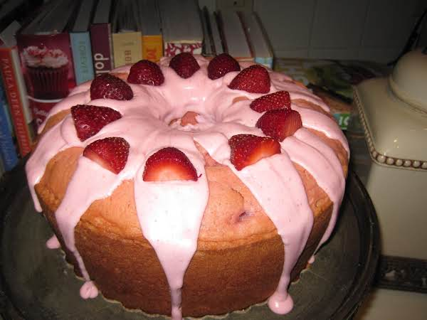 Strawberry Pound Cake With Cream Cheese Drizzle