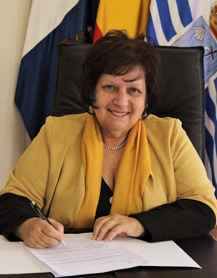 Alcaldesa-Presidenta Dª. Fidela Velázquez Manuel