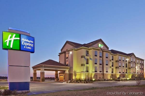Holiday Inn Express Hotel & Suites Shawnee I-40