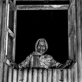by Mohd Izzat Ahmad - People Portraits of Women ( pwcwindow )
