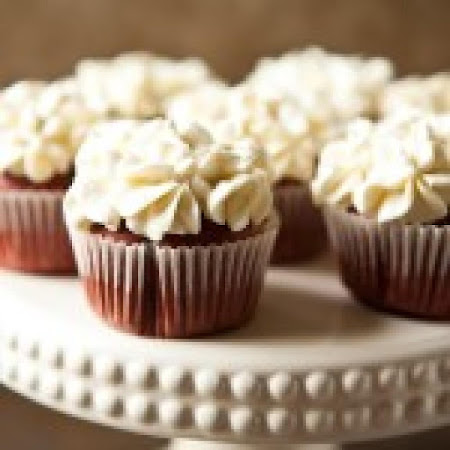 Red Velvet Cupcakes with Cream Cheese COOL WHIP Frosting Recipe