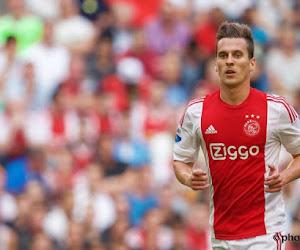 Ajax haalt uit tegen ploeg van den Brom, titelstrijd blijft ongemeen spannend