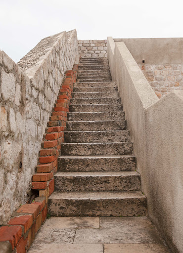 Dubrovnik-battlement-staircase.jpg - Stone staircases line the entire perimeter of Old Dubrovnik, giving visitors a fine vantage point to take in the city's sights.