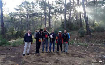 Photo: İşaretleme ekibimiz kaptan Sinan Bey ile. EFES-MİMAS (İYON) YOLU 5. Etabı İŞARETLEMESİ -  22.12.2015 (Tahtalı-Karacadağ Arası)