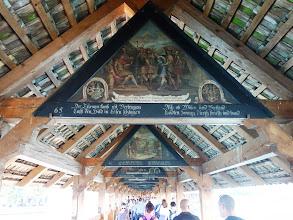 Photo: obrazy na mostě Kapellbrücke