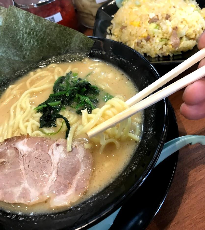 ラーメン 中太麺